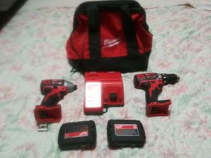 Milwaukee battery operating tool for Sale in Warrenville, SC