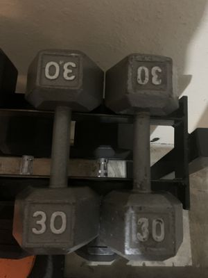 30 pound dumbbells for Sale in Watauga, TX