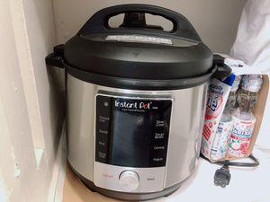 Instant Pot Max 9 in 1 Cooker,6 Quart for Sale in Arlington, VA