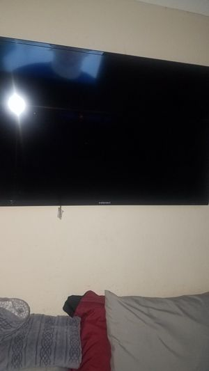 50 inch flat screen Element TV with wall mount for Sale in Grapevine, TX