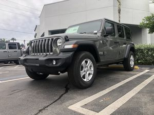 Brand new stock Jeep (5Tires&Rim) 2019 (5miles) for Sale in Miramar, FL