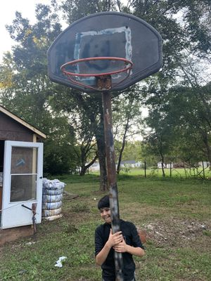 Basketball goal/basketball hoop for Sale in Cleveland, NC