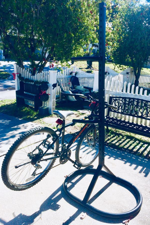 "Ready to Ride Now! White Ladies 26"" Bike in great Condition & a Tall Bike Rack🚲Click the ""Read more"" words for details please 🙂"
