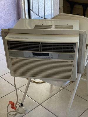 Window ac unit Energy saver 6000 Btus for Sale in Norwalk, CA