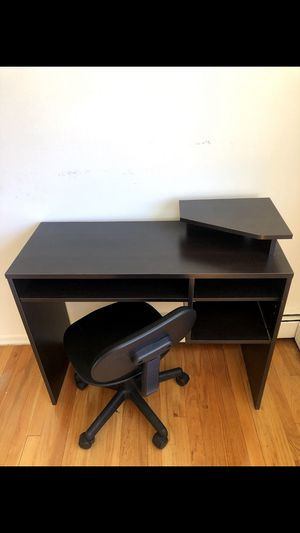 Student Desk and Chair for Sale in Chicago, IL
