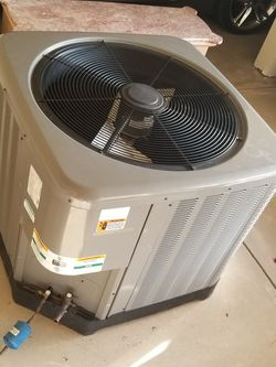 Air Conditioner Unit (LIKE NEW) for Sale in Blythewood,  SC
