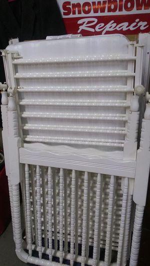 Baby crib with mattress for Sale in Warren, MI