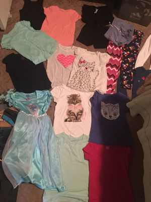 Girl clothes 6/7 for Sale in Fresno, CA