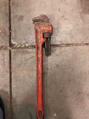 "24"" pipe wrench for Sale in Chicago, IL"