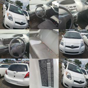 2010 Toyota Yaris S 2dr Hatchback clean title for Sale in Elizabeth, NJ