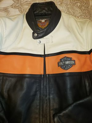 Mens sizeLarge Harley Davidson Leather Jacket. Excellent Condition.. $130.00 Firm Price Meet In Seattle Or Everett Only for Sale in Seattle, WA