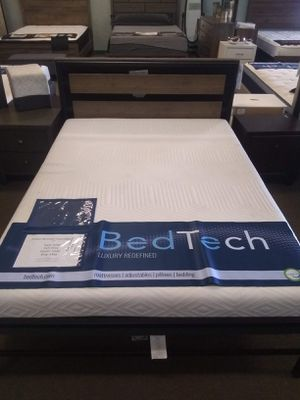 Queen size platform bed frame with 10 inch Pure Gel Memory Foam Mattress included for Sale in Glendale, AZ