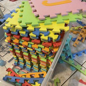 Baby Kids Foam Play Mat for Sale in East Los Angeles, CA