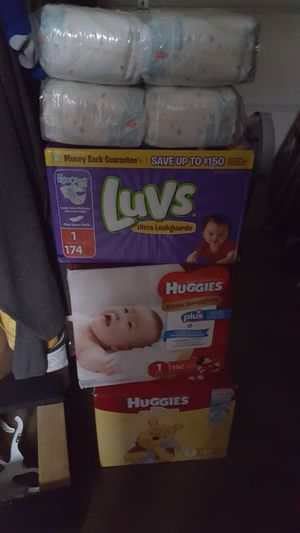 Diapers for Sale in Los Nietos, CA