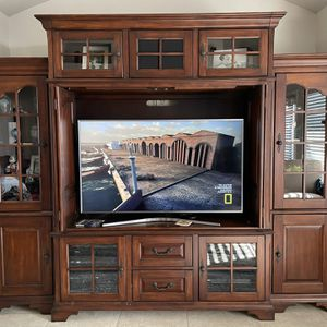 Very Nice Lighted Wooden Entertainment Center for Sale in Clovis, CA