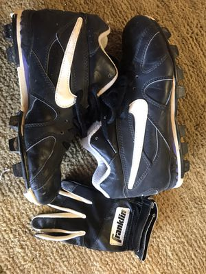 Nike air cleats, size 7.5 w/ baseball glove youthL for Sale in Rodeo, CA
