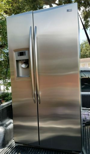 Ge profile side by side refrigerator for Sale in Miami, FL