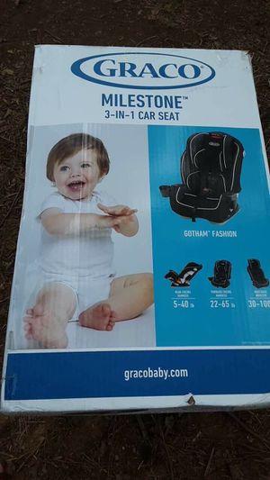 3 in 1 Graco car seat NEVER USED for Sale in Fairburn, GA