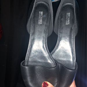 Leather Michael Kors Women Flats Size 10 New for Sale in Los Angeles, CA