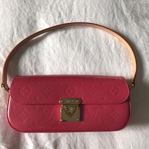 Louis Vuitton Malibu Shoulder Bag for Sale in Fort Worth, TX