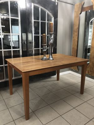 Dining Kitchen Table Solid Wood for Sale in Eastpointe, MI