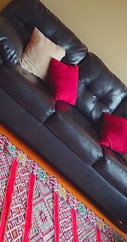 Beautiful Great Condition 3 Seater Sofa for Sale in Spring,  TX