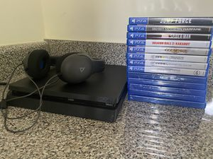 PlayStation 4 Slim Black 1TB whit 13 games and PlayStation headphones for Sale in Kennesaw, GA