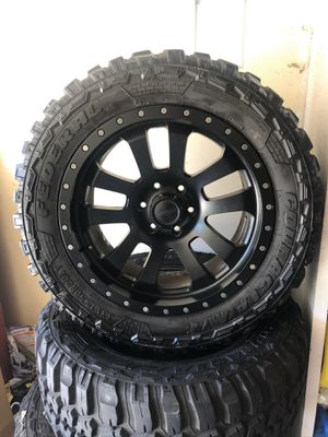 20x9 Pro Comp Wheels Wrapped with 33X12.50R20 Federals Couragia M/T for Sale in Riverside, CA