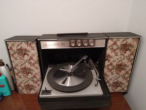 Vintage record player for Sale in Tacoma, WA