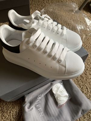 Alexander McQueen Brand new never used size 9(42) 200$ dollars 💵 for Sale in Aspen Hill, MD