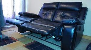 Black Sofa Set 2 Recliner with Console for Sale in Miami, FL
