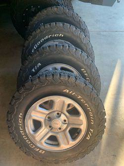 07-18 Jeep stock wheels for Sale in Fresno,  CA