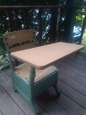 Kids desk for Sale in Pontiac, MI