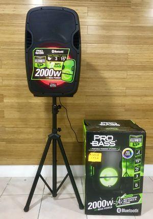 Speaker Bluetooth,radio,1🎤y stand incluido,karaoke,ecualizador,USB,AUX,luz LD for Sale in Hialeah, FL