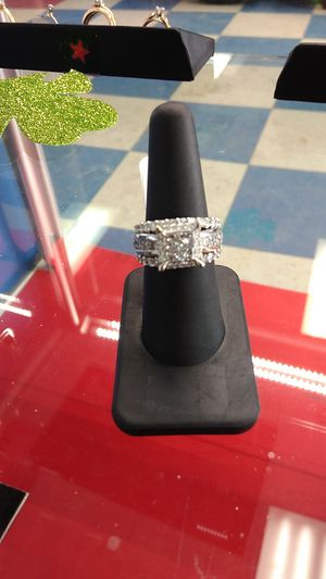 14kt white gold diamond ring size 7.5 for Sale in Fargo, ND