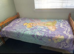 Twin wood bed frame no mattress for Sale in Hesperia, CA