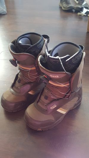 Vans snowboard boots women's 8 for Sale in East Wenatchee, WA