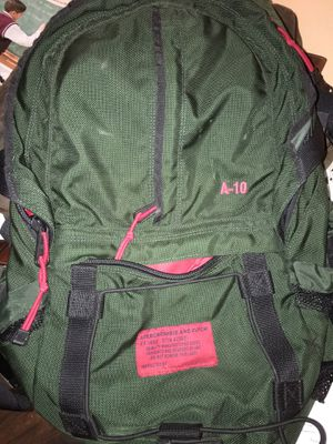 AMBERCROMBIE AND FITCH A-10 hiking backpack for Sale in Chicago, IL
