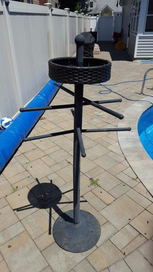Pool towel holder with tray for Sale in Levittown, NY