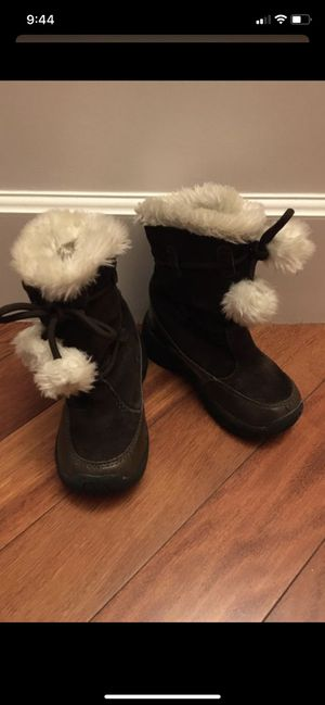 Girls size 11 winter boots in great condition for Sale in Mukilteo, WA