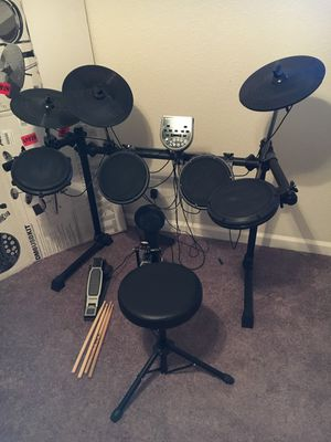 Alesis DM6 Electronic Drum Kit for Sale in Alamo Heights, TX
