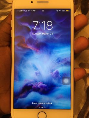 IPhone 8 Plus for Sale in CHATT HILLS, GA