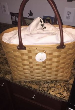Large Longeberger tote with liner and medallion for Sale in Garrison, MD