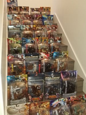 STAR WARS UNLEASHED Figures COLLECTION (30 statues) for Sale in San Diego, CA