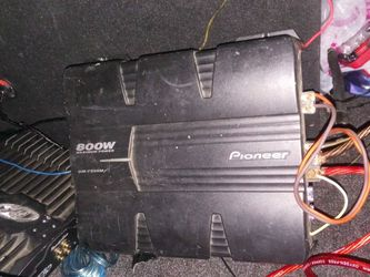 Pioneer 2 Channel Amp 800 Watts $75 OBO for Sale in Fresno,  CA