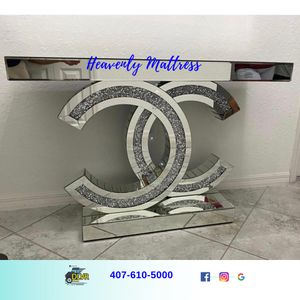 Table Console in STOCK for Sale in Kissimmee, FL