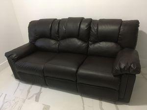Juego de sofá reclinable de dos piezas , como nuevo .Delivery incluido en la comprar for Sale in Miami, FL