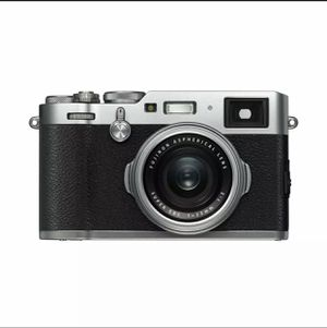 NEW Fujifilm X100F Digital Camera (Silver) for Sale in La Puente, CA
