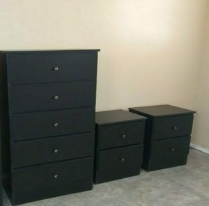NEW BEAUTIFUL CHEST WITH 2 NIGHTSTANDS for Sale in Biscayne Park, FL