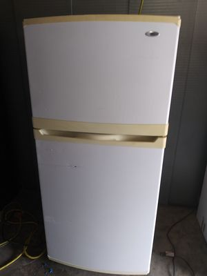 """**Whirlpool Apartment Size refrigerator ( (size: 30w by 31"""" d by 67""""h (can deliver and install for free#~°]°] for Sale in Claremont, CA"""
